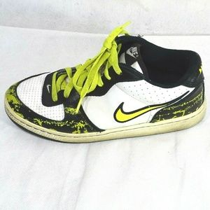 Nike Infiltrator Shoes Boys Size 6Y